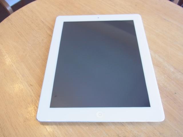 武蔵村山市よりご来店 iphone/iPad3修理と受け付け