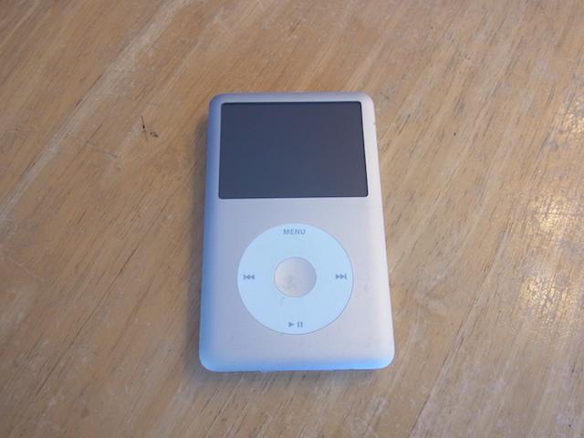 福生からご来店 iPod classic預かり修理