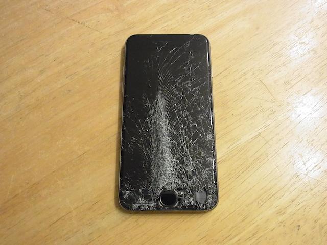 iPhone画面交換修理 新所沢のお店