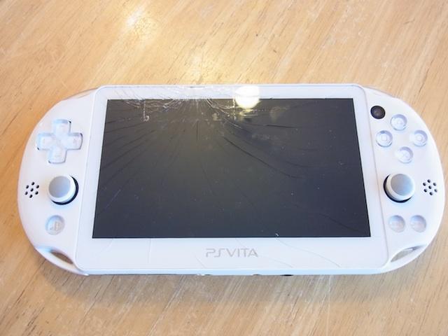 戸塚からご来店 PSvita2000/iPod classic持ち込み修理