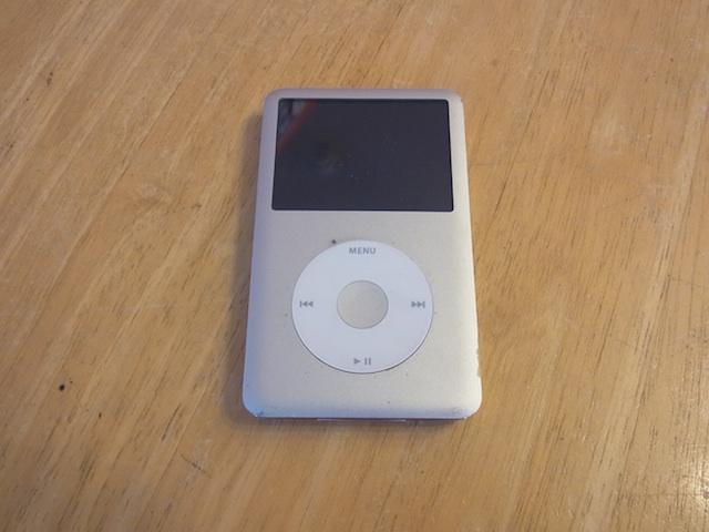 戸塚からご来店 iPod classic持ち込み修理