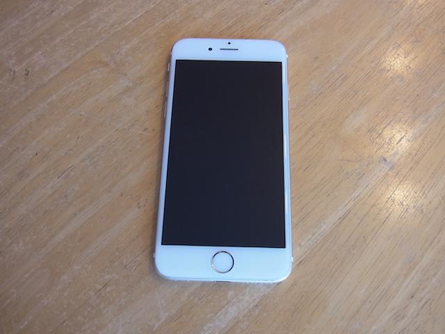 新所沢のお客様 iPhoneバッテリー膨張/交換修理