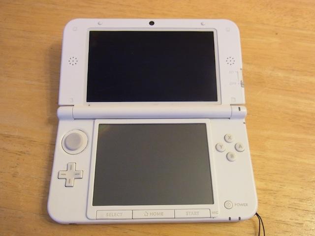所沢のお客様 任天堂3DSタッチパネル故障 修理予約
